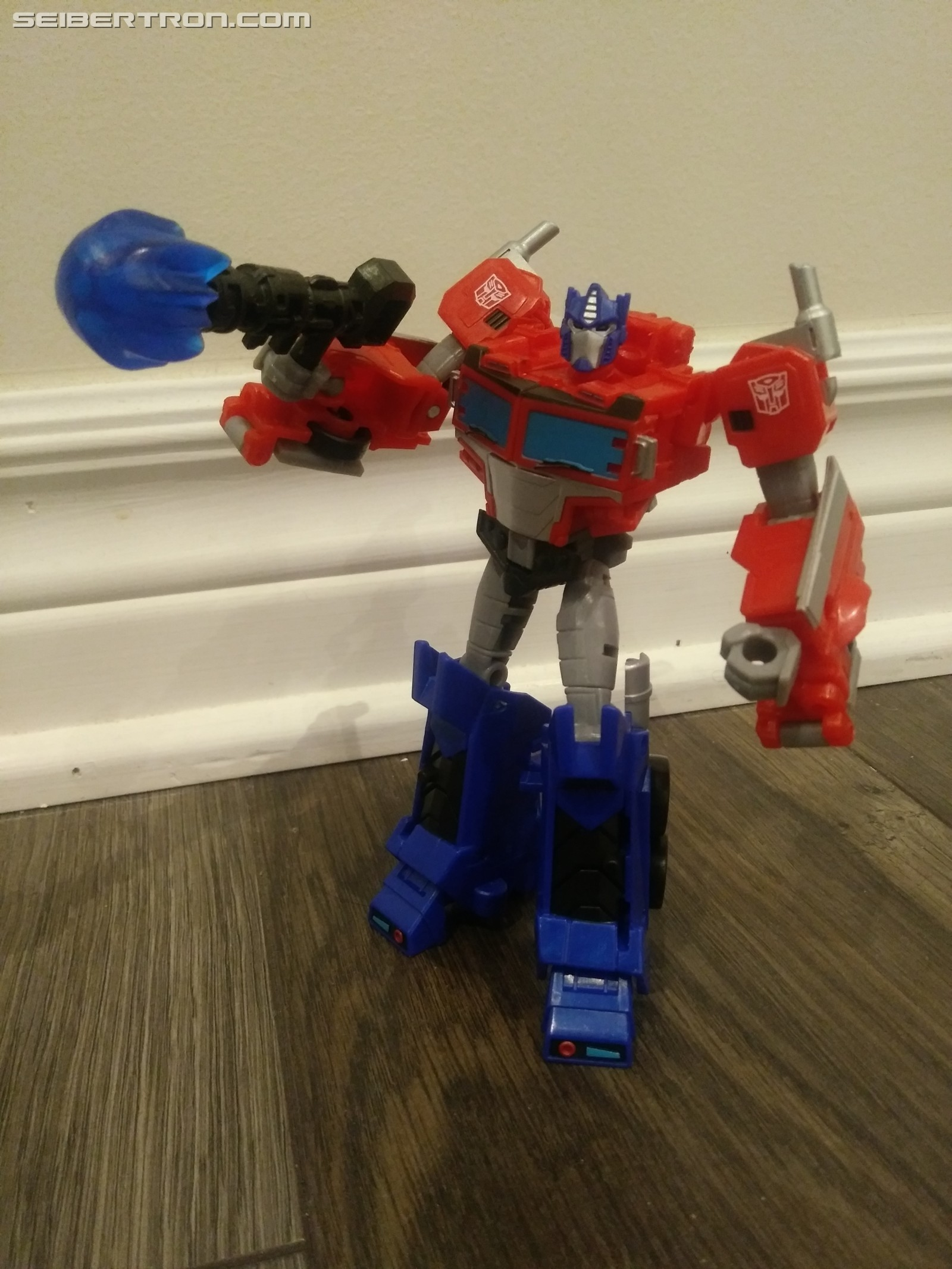 Transformers News: Pictorial Review for Deluxe Optimus from Transformers Cyberverse