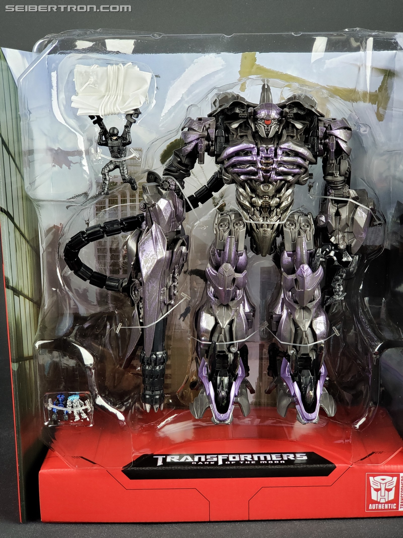 Transformers News: Studio Series Brains and Wheelie are Much Smaller than as Shown on Box