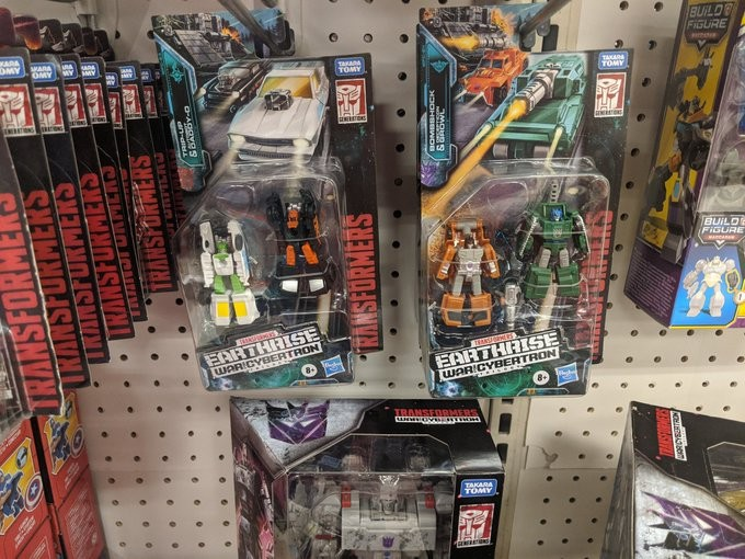 Transformers News: Transformers War for Cybertron: Earthrise Micromasters Found at U.S. Retail