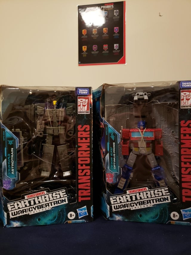Transformers News: Transformers War for Cybertron: Earthrise Wave 1 Deluxe and Leader Figures Found at U.S. Retail