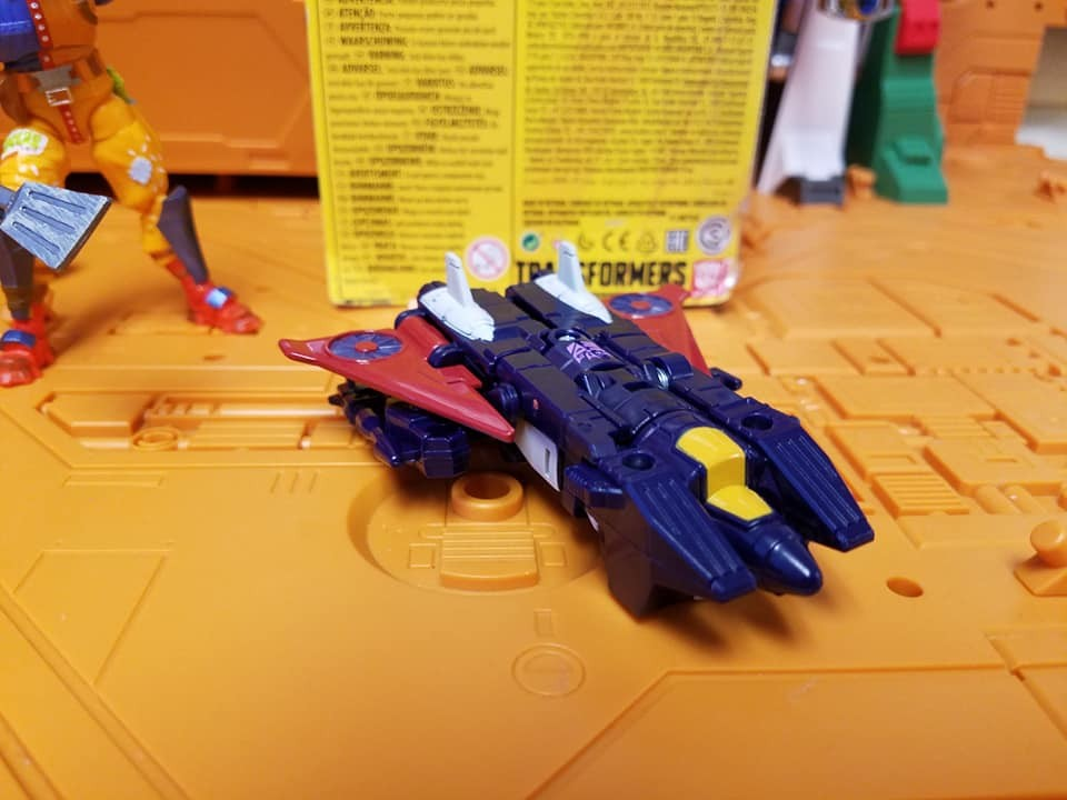 Transformers News: I  Hand Images of Transformers Cyberverse Ramjet