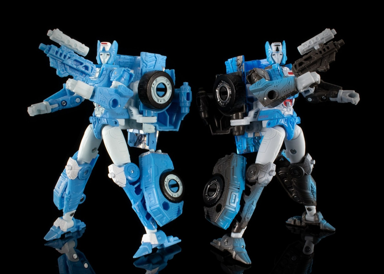 Transformers News: Reviews of all Wave 1 Netflix Transformers Series Exclusive Deluxe Toys